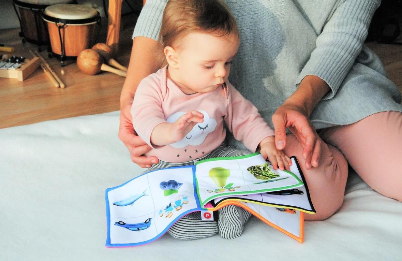 dítě a hračky