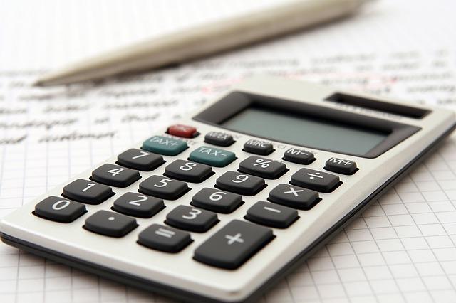 černobílá kalkulačka
